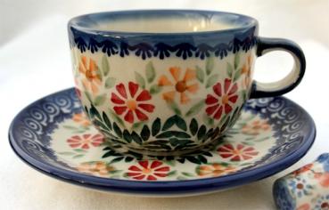 original bunzlauer keramik tasse mit untertasse dekor adelheid. Black Bedroom Furniture Sets. Home Design Ideas